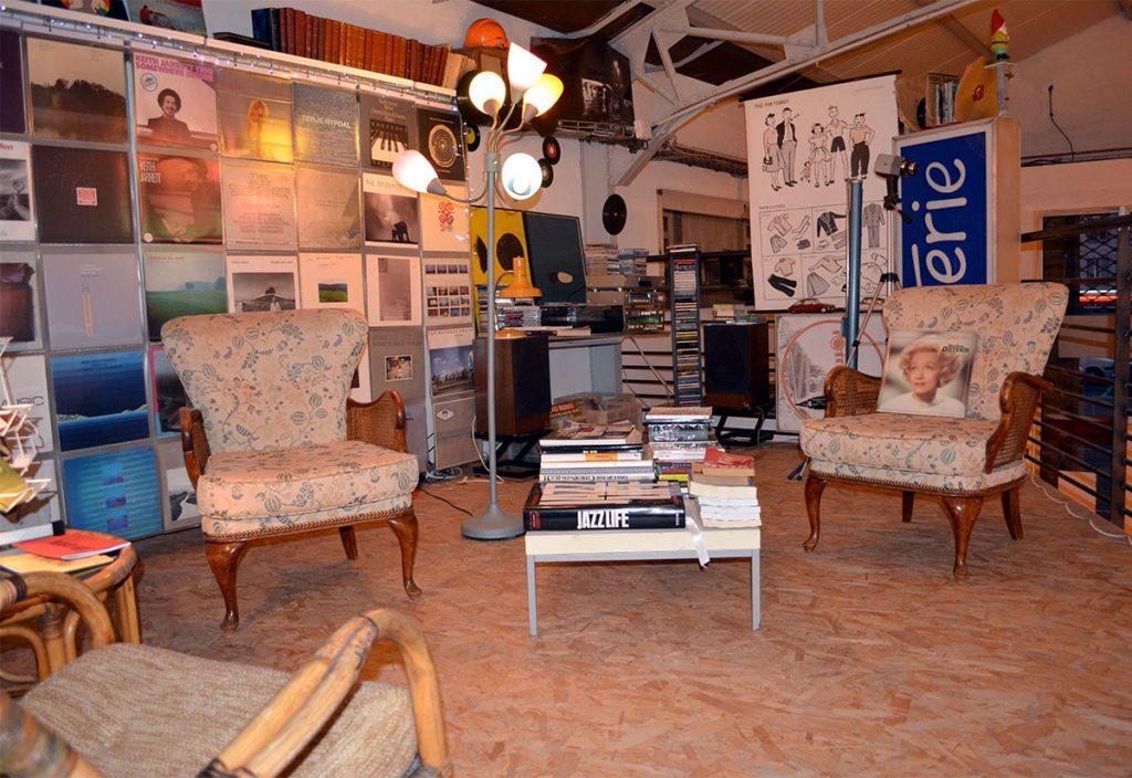 """Digitus Impudicus Association 40, Rue des Halles, 44600 Saint-Nazaire au lieu dit """"Le Garage"""" e-mail: digitusimpudicusasso@gmail.com Tel: 06.33.68.84.65"""